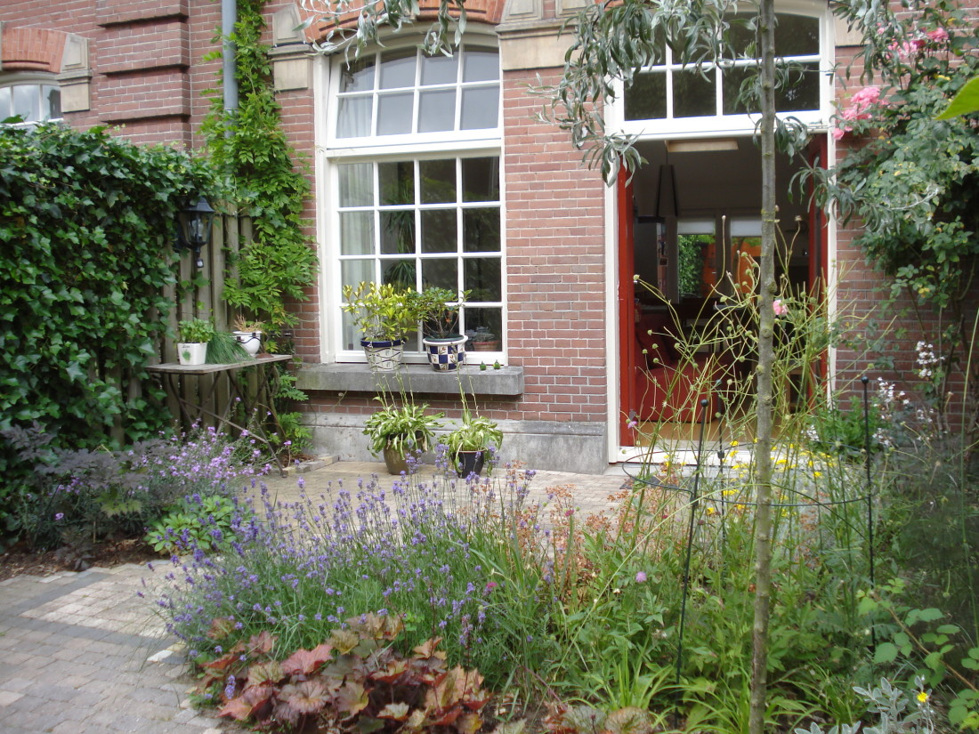 de Buitenkamer tuinontwerp, Grave, diagonale tuin Amersfoort 1