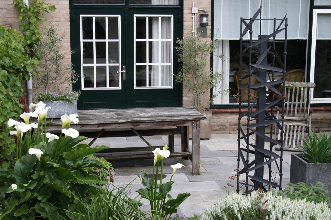 De Buitenkamer tuinontwerp, weelderige tuin in Grave 3