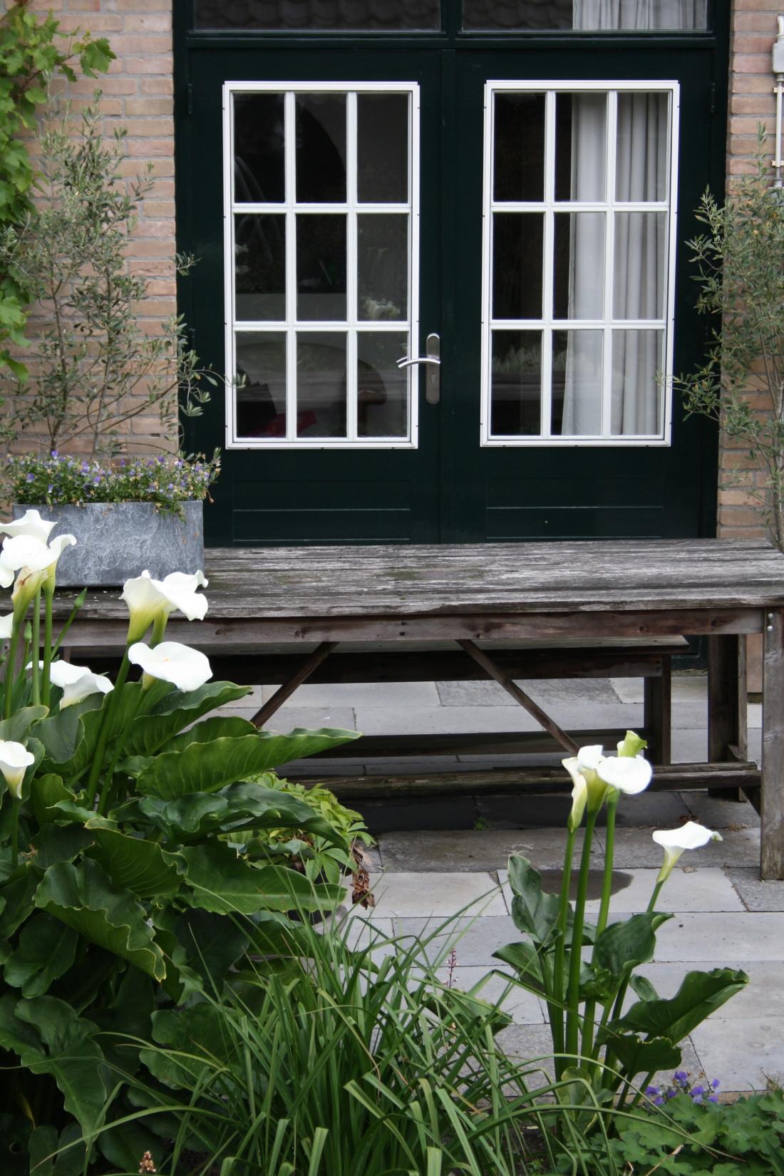 De Buitenkamer tuinontwerp, weelderige tuin in Grave 2